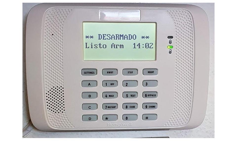 Instalación de alarma inalámbrica con comunicador